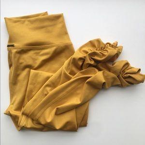 Mika Yoga Wear Gaby Leggings Mustard Yellow S